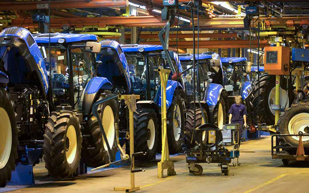 fabrica de tractores new holland